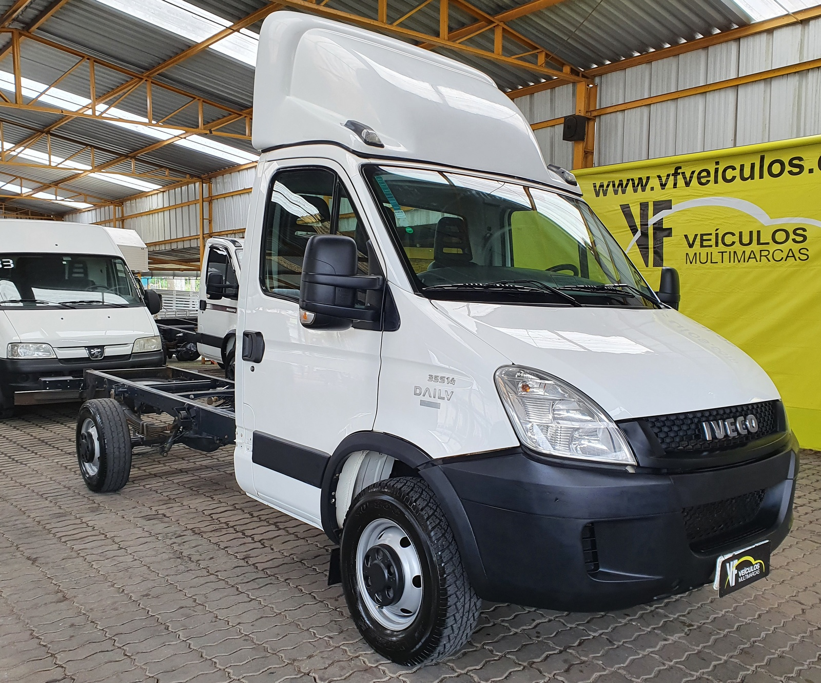 IVECO DAILY 35S14 CHASSI CABINE